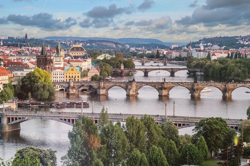Voyager pas cher en Europe - Photo par JESHOOTS